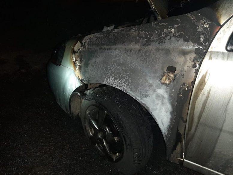 Злочинці підпалили автівку дружини колишнього директора Ужанського нацпарку (фото)