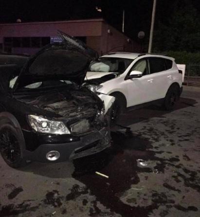 В Ужгороді зіткнулися дві автівки – госпіталізовано 25-річну водійку