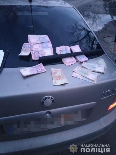 На Виноградівщині поліція затримала злодія, який вкрав заощадження пенсіонерки