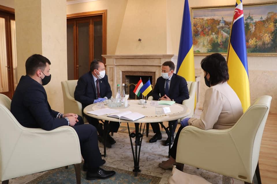 Олексій Петров провів першу офіційну міжнародну зустріч із генеральним консулом Угорщини в Ужгороді