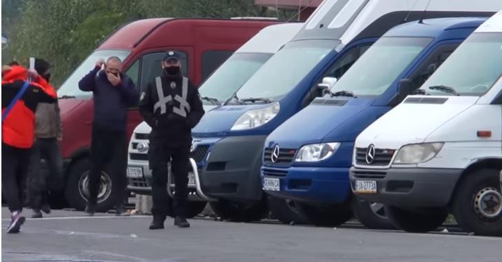 На Закарпатті спалахнув скандал із нелегальним перевезенням заробітчан (ВІДЕО)