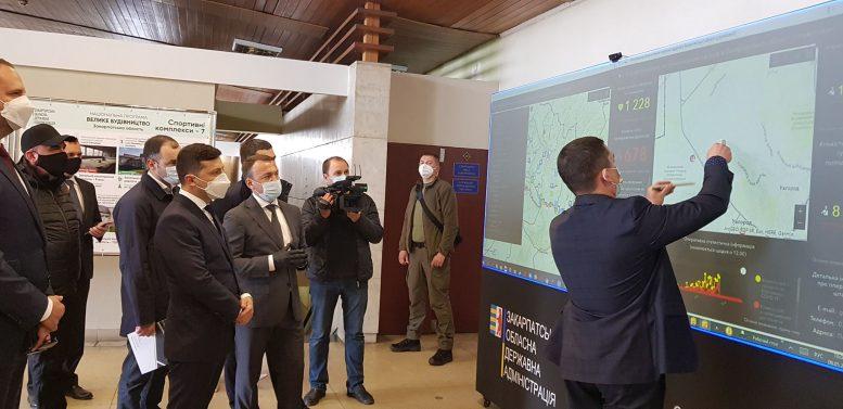 Президент України Володимир Зеленський відвідав КПП «Тиса» на українсько-угорському кордоні