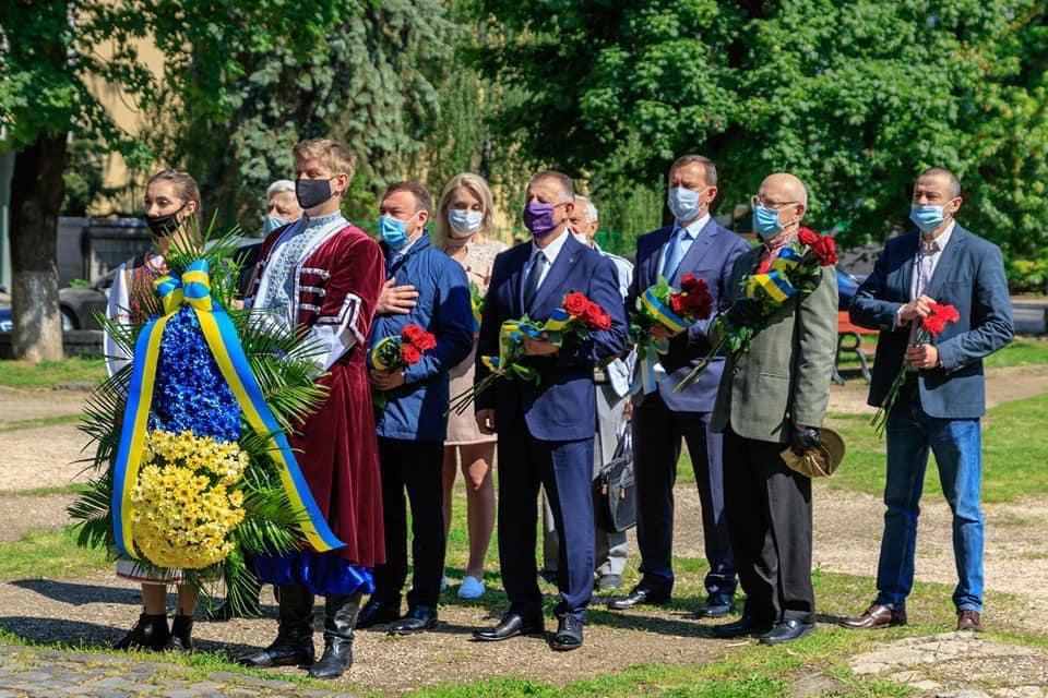В Ужгороді вшанували пам'ять жертв політичних репресій (відео)