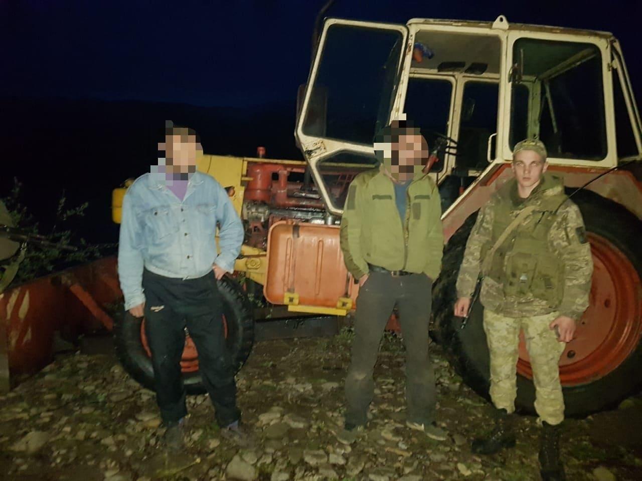 Закарпатські прикордонники виявили осіб, які незаконно видобували гравій