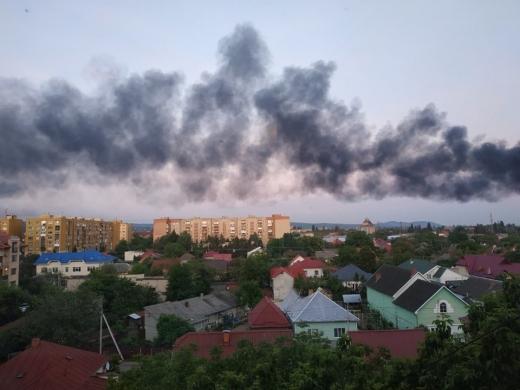 Ужгородців сполошив чорний дим, видимий з усіх кінців міста