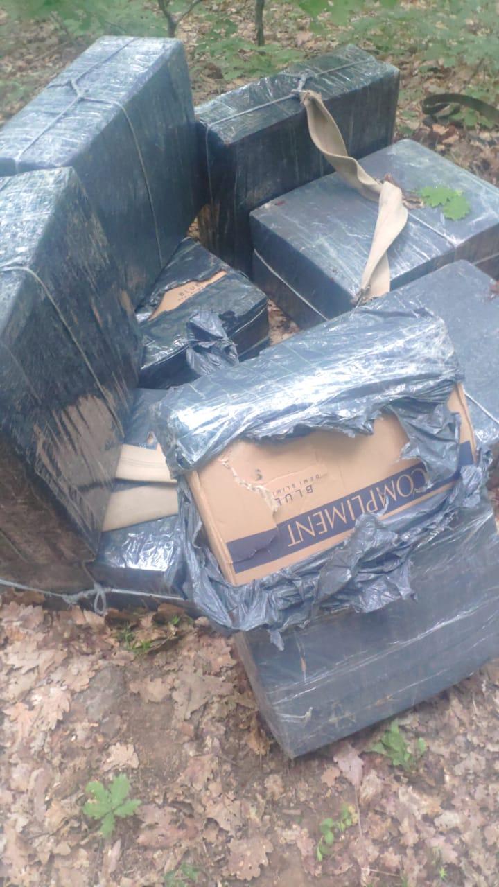 Закарпатські прикордонники сьогодні вранці попередили дві спроби контрабанди цигарок