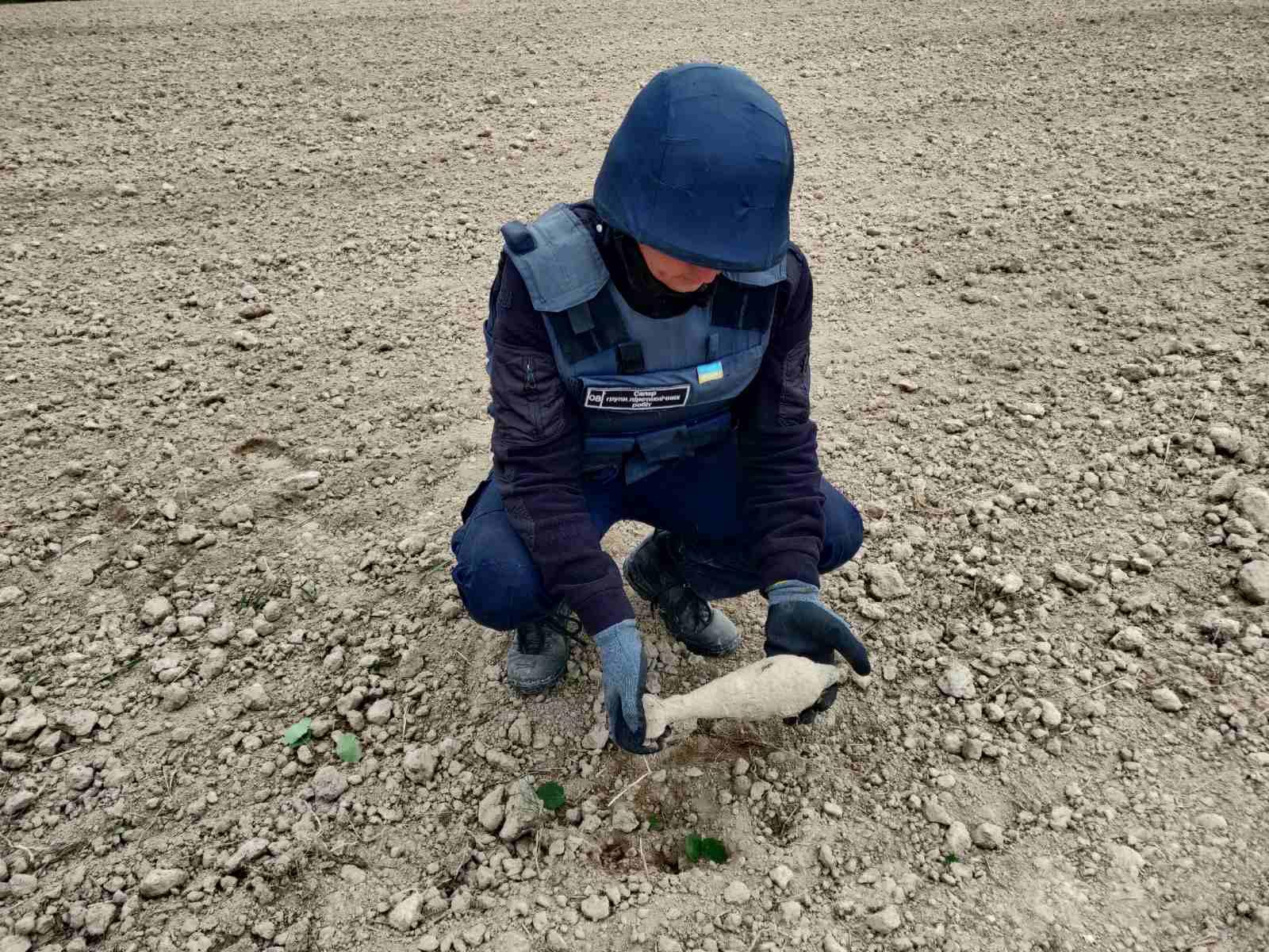 Під час земляних робіт у Горянах знайшли мінометну міну