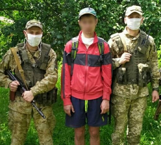 Закарпатські прикордонники затримали дезертира, який намагався втекти до Угорщини