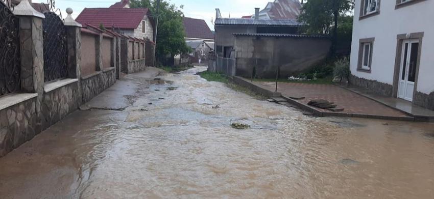 Потужна злива на Рахівщині наробила біди (ФОТО)