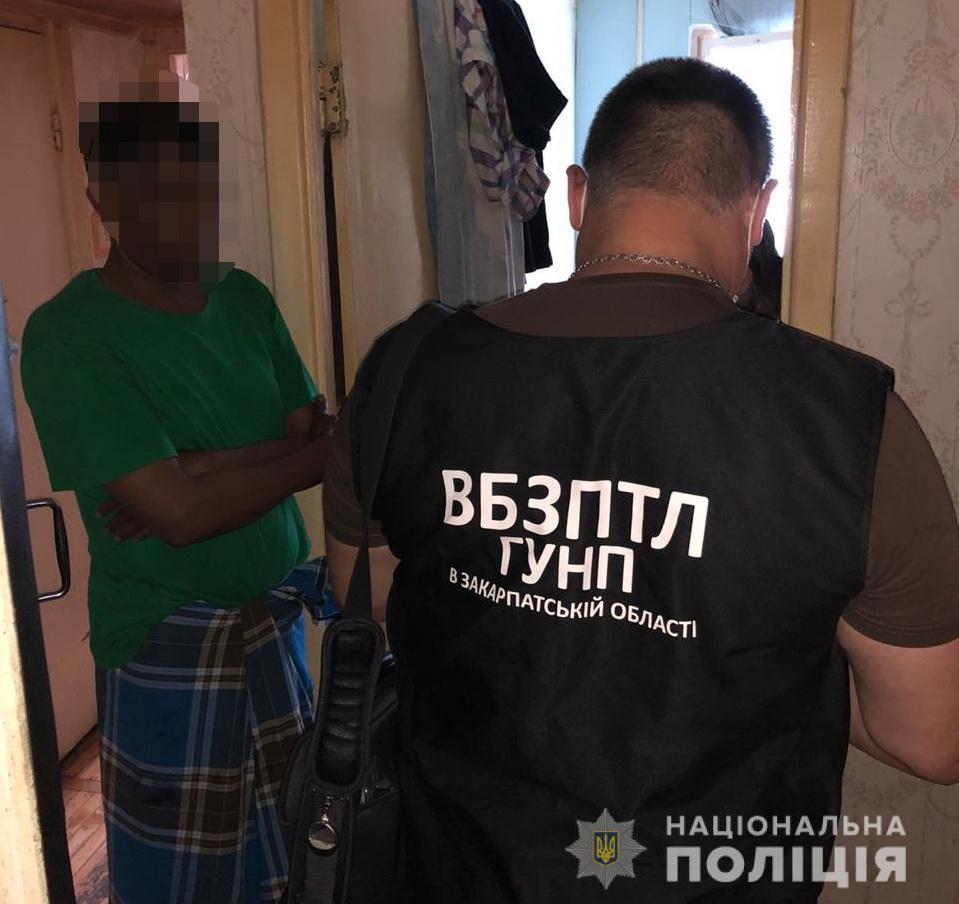 У Києві затримали організатора каналу переправки нелегалів через Закарпаття