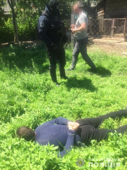Правоохоронці викрили на Тячівщині двох наркозбувачів