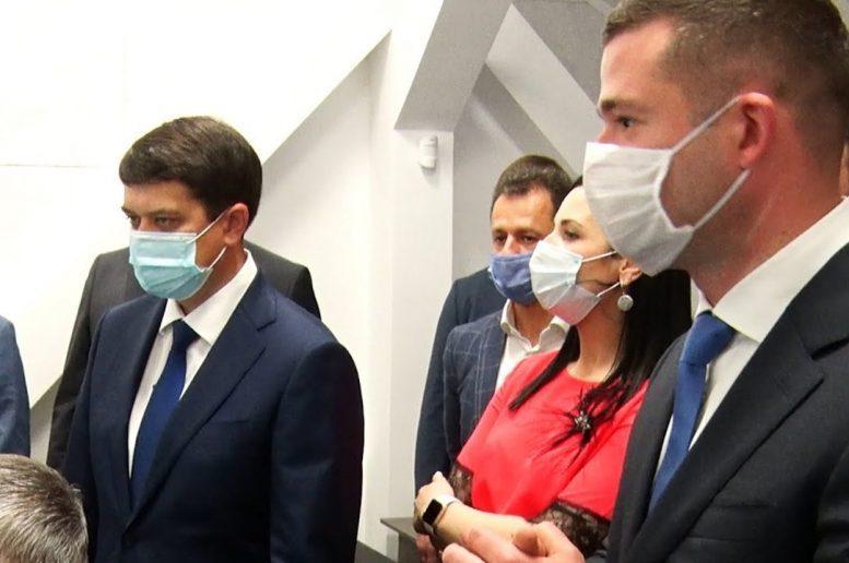 """Балога найняв експертів """"Центру Разумкова"""" для супроводу вибочої кампанії сина в Мукачеві"""