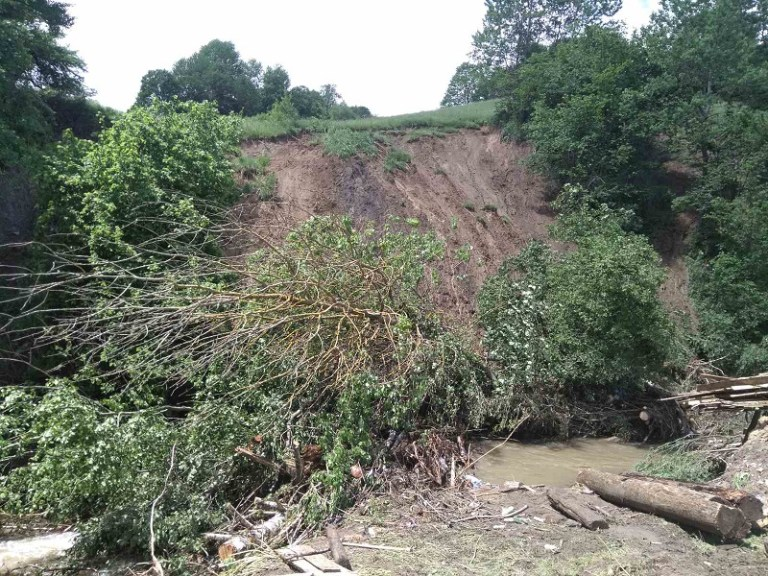 Внаслідок паводку на Рахівщині підтоплено 475 дворогосподарств, пошкоджено кілька трас і мостів