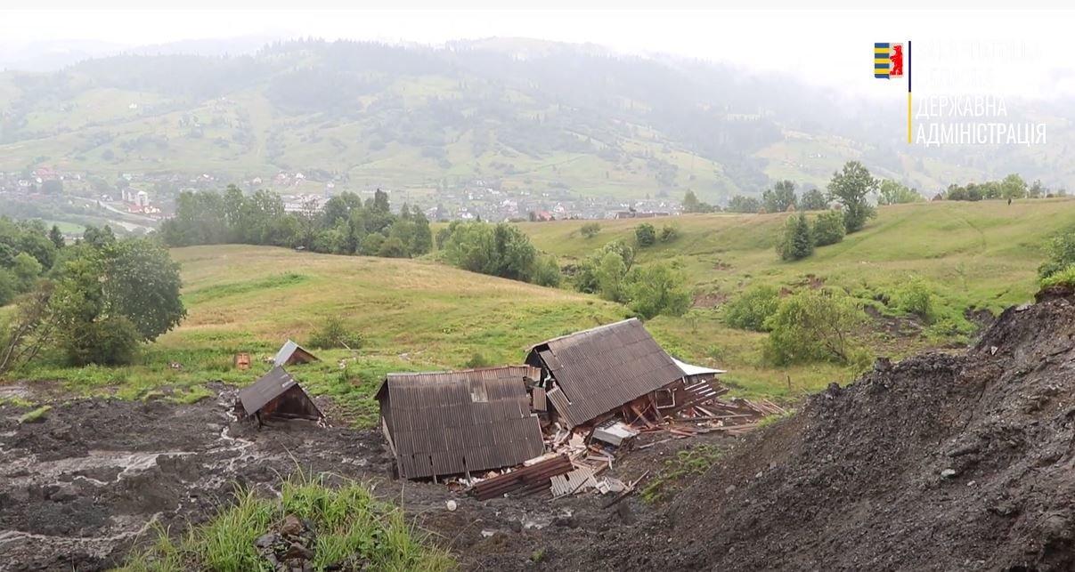 Голова Закарпатської ОДА оглянув зсувні процеси у Ясінях на Рахівщині