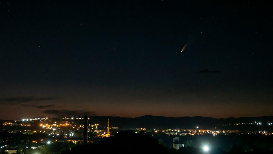 У соцмережах ужгородці діляться фотографіями комети Neowise