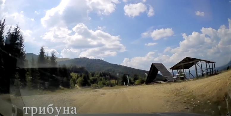 Колоритна дорога, яка з'єднала тупикові села Закарпаття (відео)