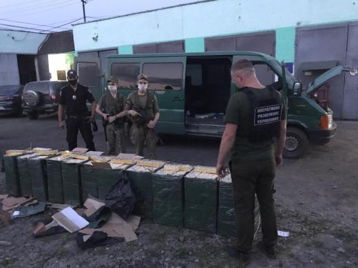 Закарпатські прикордонники припинили чергову спробу контрабанди