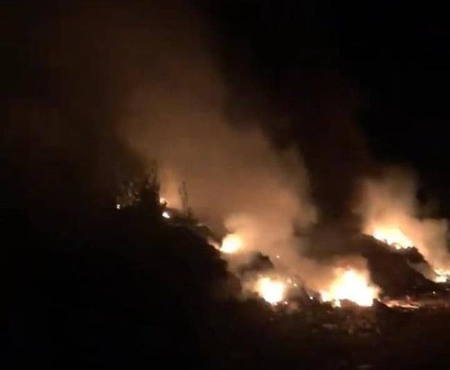На Тячівщині вночі загорілося сміттєзвалище