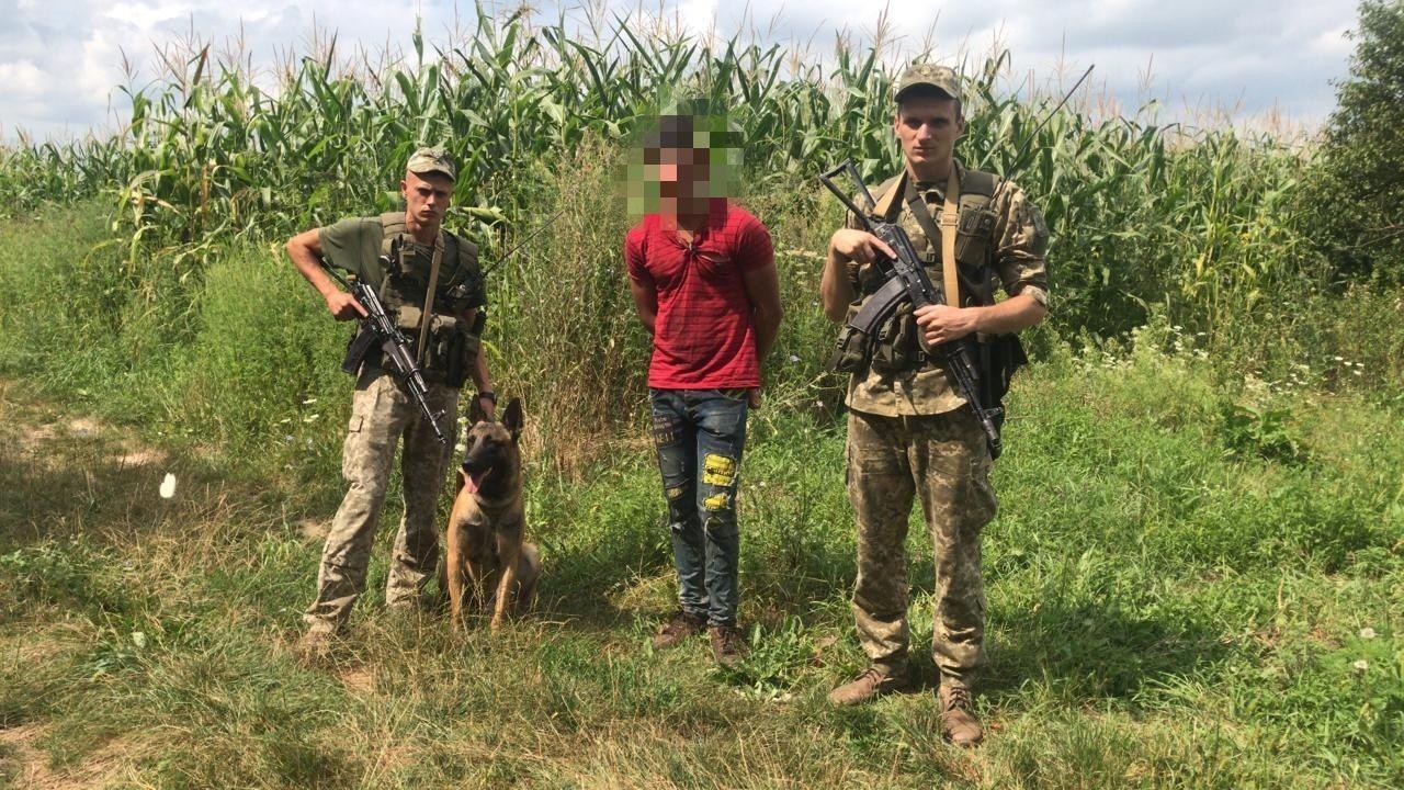 Поблизу кордону на Закарпатті затримали громадянина Румунії, підозрюваного у вбивстві