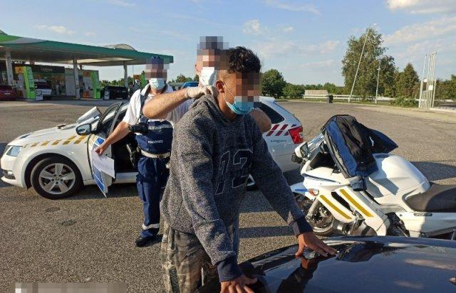 В Угорщині затримали закарпатця за перевезення нелегалів