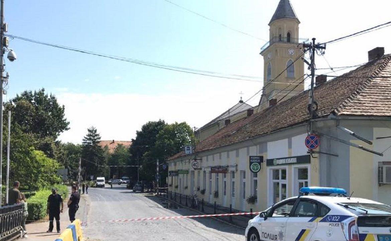 """Експерти перевірили всі """"заміновані"""" будівлі на Закарпатті – вибухівки не виявлено"""