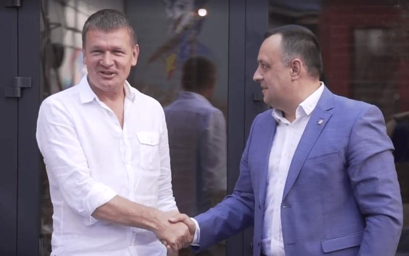 Хто з ужгородських політиків хоче здатись хитрішим, ніж є насправді?