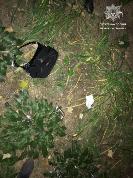 Уночі в Ужгороді на жінку напали вуличні грабіжники