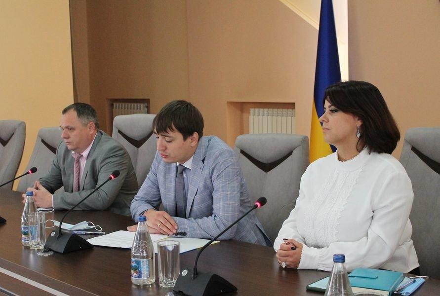 Керівник Закарпатської обласної прокуратури представив колективу своїх заступників