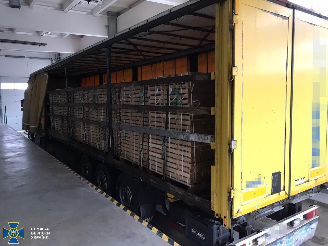 На Закарпатті СБУ блокувала контрабанду вартісної деревини до Євросоюзу