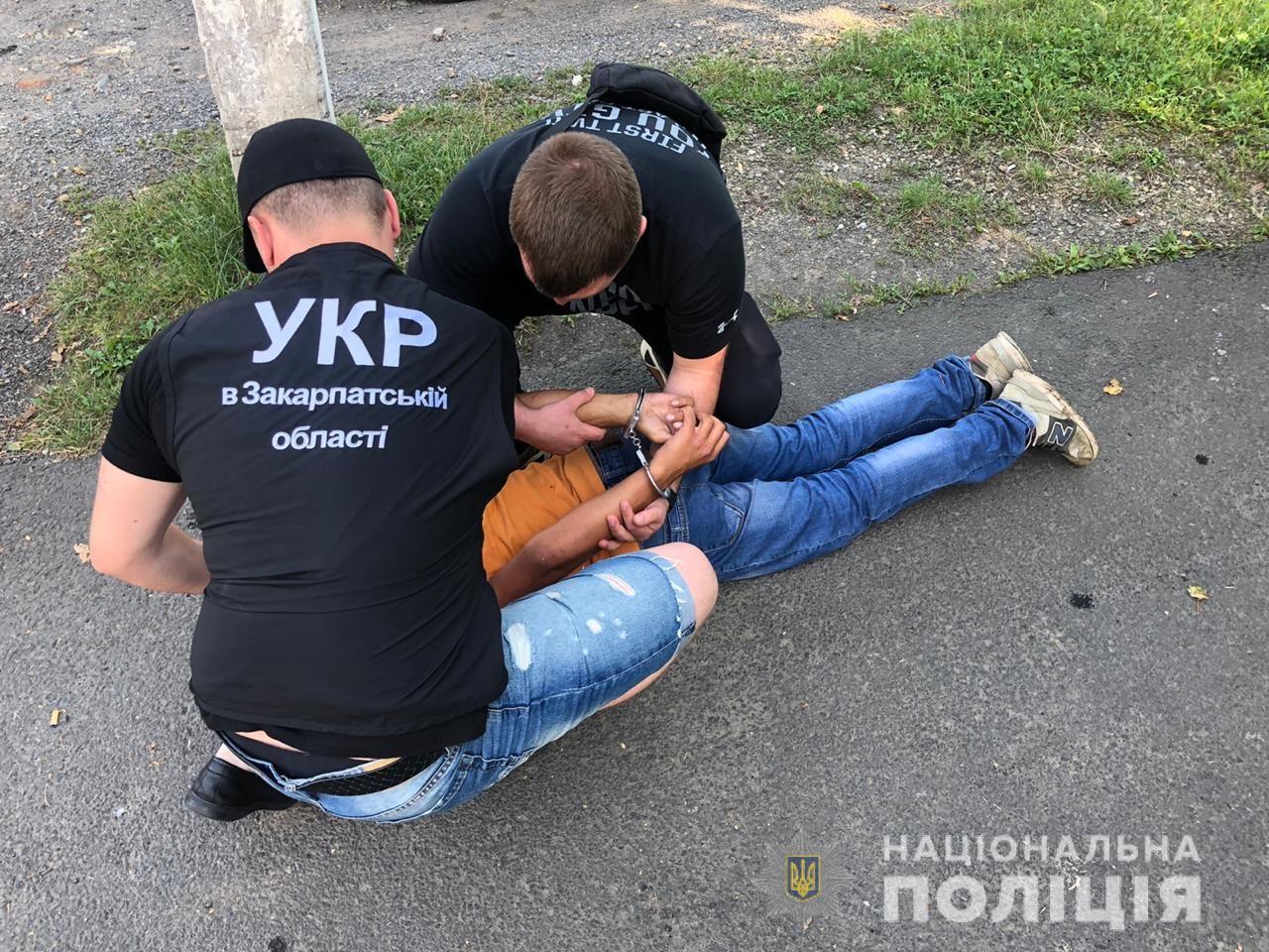 15-річному підлітку, що пограбував АЗС в Ужгороді, повідомлено про підозру