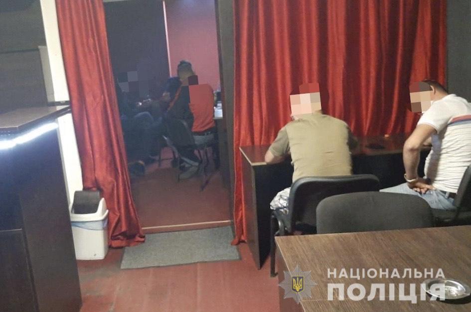 Поліцейські припинили діяльність ще двох підпільних гральних закладів у Тячівському районі