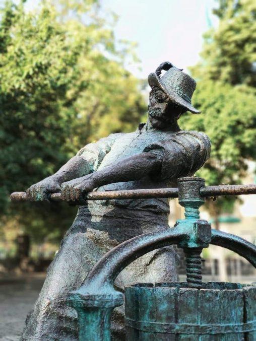 За плечима Івана Бушка вагомий доробок в розвиток інфраструктури та культурних пам'яток Виноградова (відео)