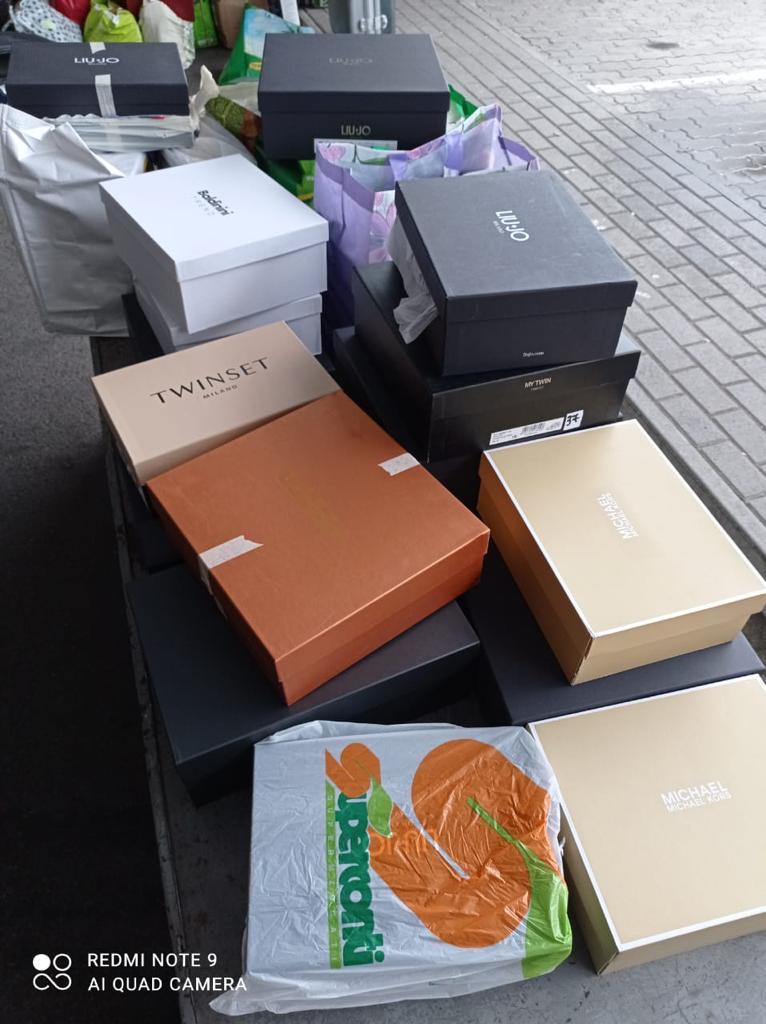 Закарпатські митники вилучили на кордоні партію брендового взуття з Італії