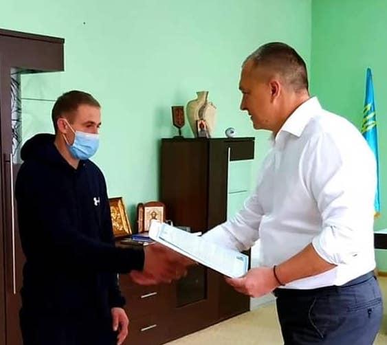 Закарпатські чиновники використовують задля політичного піару державні програми та кошти