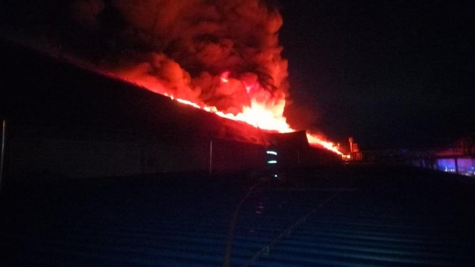 В Мукачеві сталася пожежа на лижній фабриці