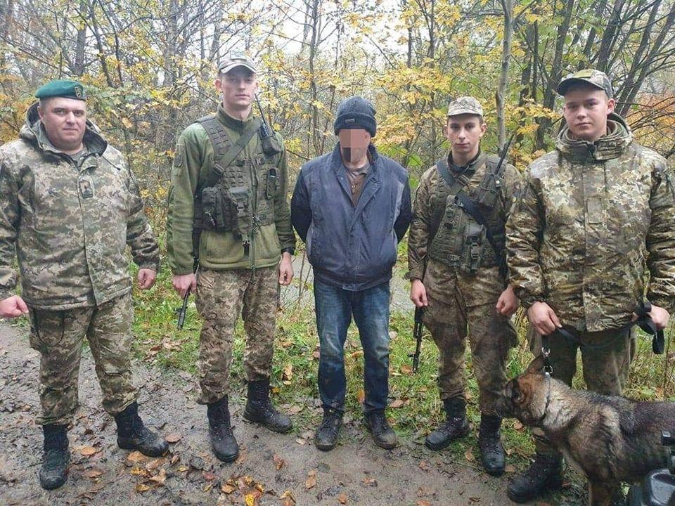 Закарпатські прикордонники затримали громадянина США, що заблукав у лісі, перебуваючи в Словаччині