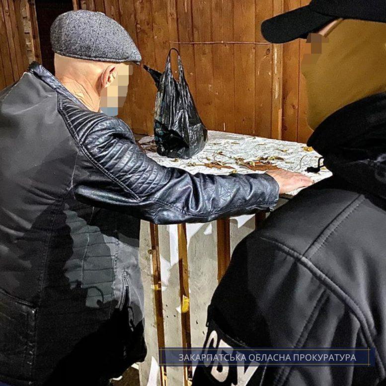 Правоохоронці заявляють про викриття схеми підкупу 24 виборців, мер Ужгорода каже, що це провокація