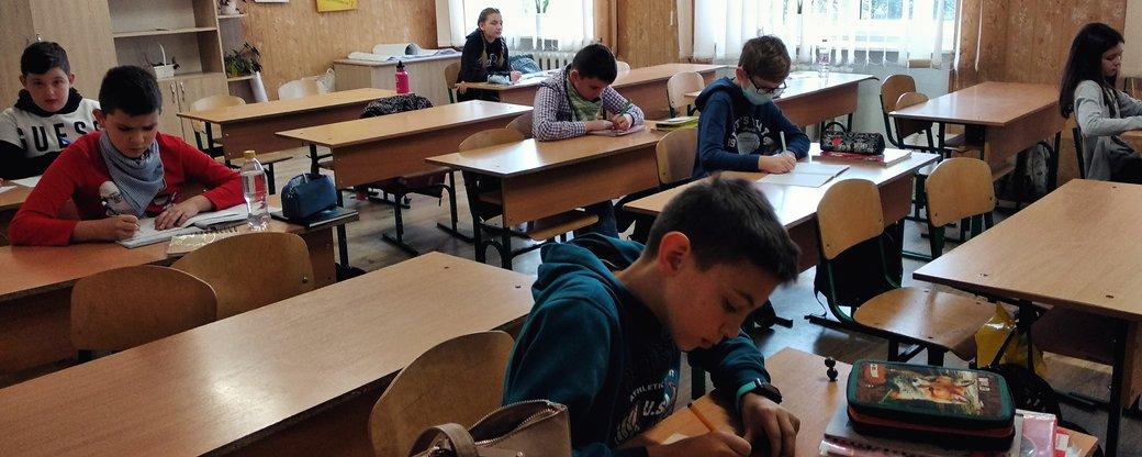 Для учнів 5-11 класів шкіл Ужгорода відновили навчання