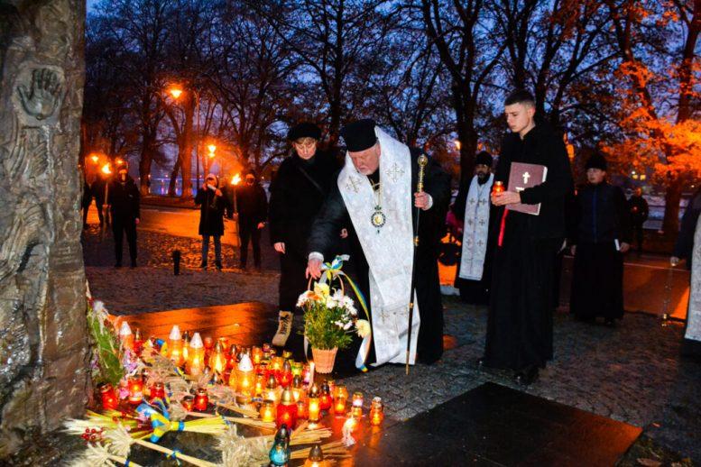В Ужгороді провели громадські поминальні заходи за жертвами Голодомору-Геноциду української нації в 1932 – 1933 рр.