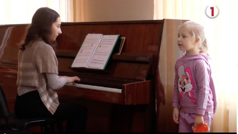 Мешканці Середнянської ОТГ проти ліквідації дитячої школи мистецтв (відео)