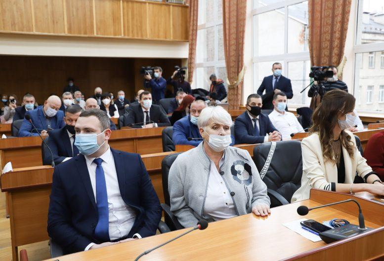 4 постійні комісії створили на першій сесії Ужгородської міської ради
