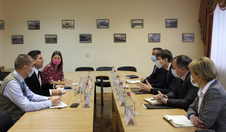 У Закарпатській прокуратурі обговорили угорське питання  з Спеціальною місією ОБСЄ