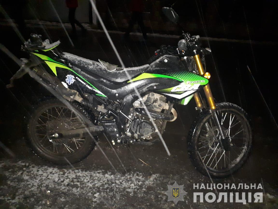 П'яний мотоцикліст на Свалявщині збив 14-річну дівчинку – зараз вона в реанімації
