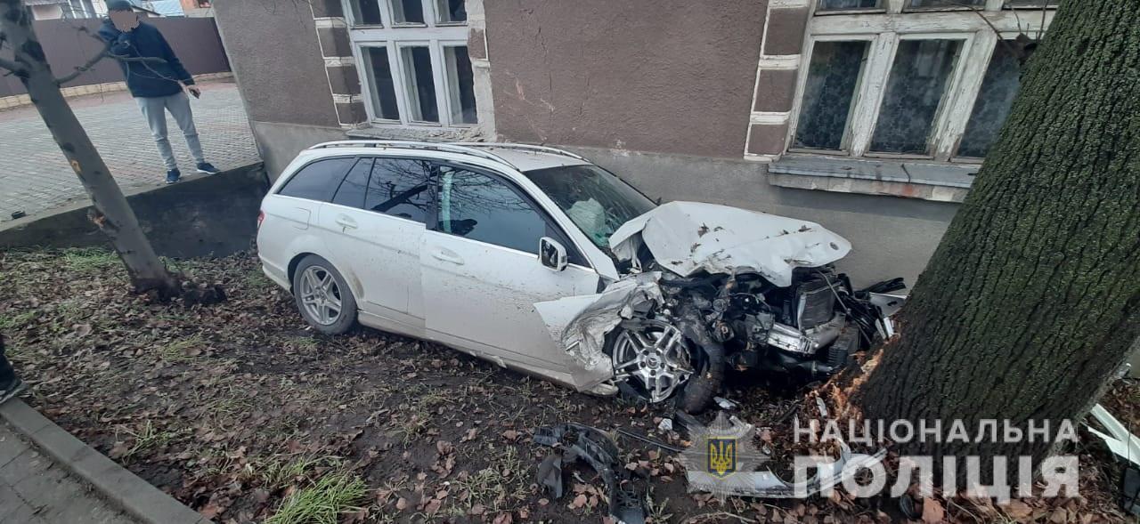 Внаслідок ДТП у Хусті два водії опинилися в лікарні