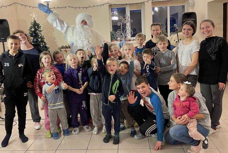 А-Банк подарував дітям-сиротам новорічну радість (фото)