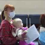 Маленька волонтерка з Ужгорода мотивує маму на добрі справи (фото)