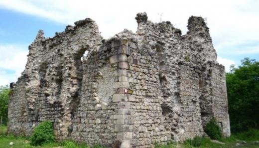 На Закарпатті в 2021-2022 роках законсервують руїни чотирьох замків