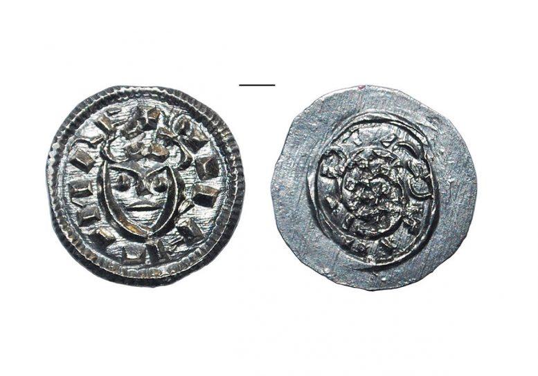 Середеньовічний денар знайдений на території Ужгородського замку