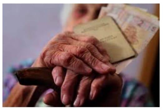 В Мукачеві кинули напризволяще немічних пенсіонерів