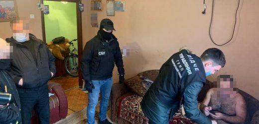 Правоохоронці затримали мешканця Мукачева за вимагання у хустянина 20 тис грн неіснуючого боргу